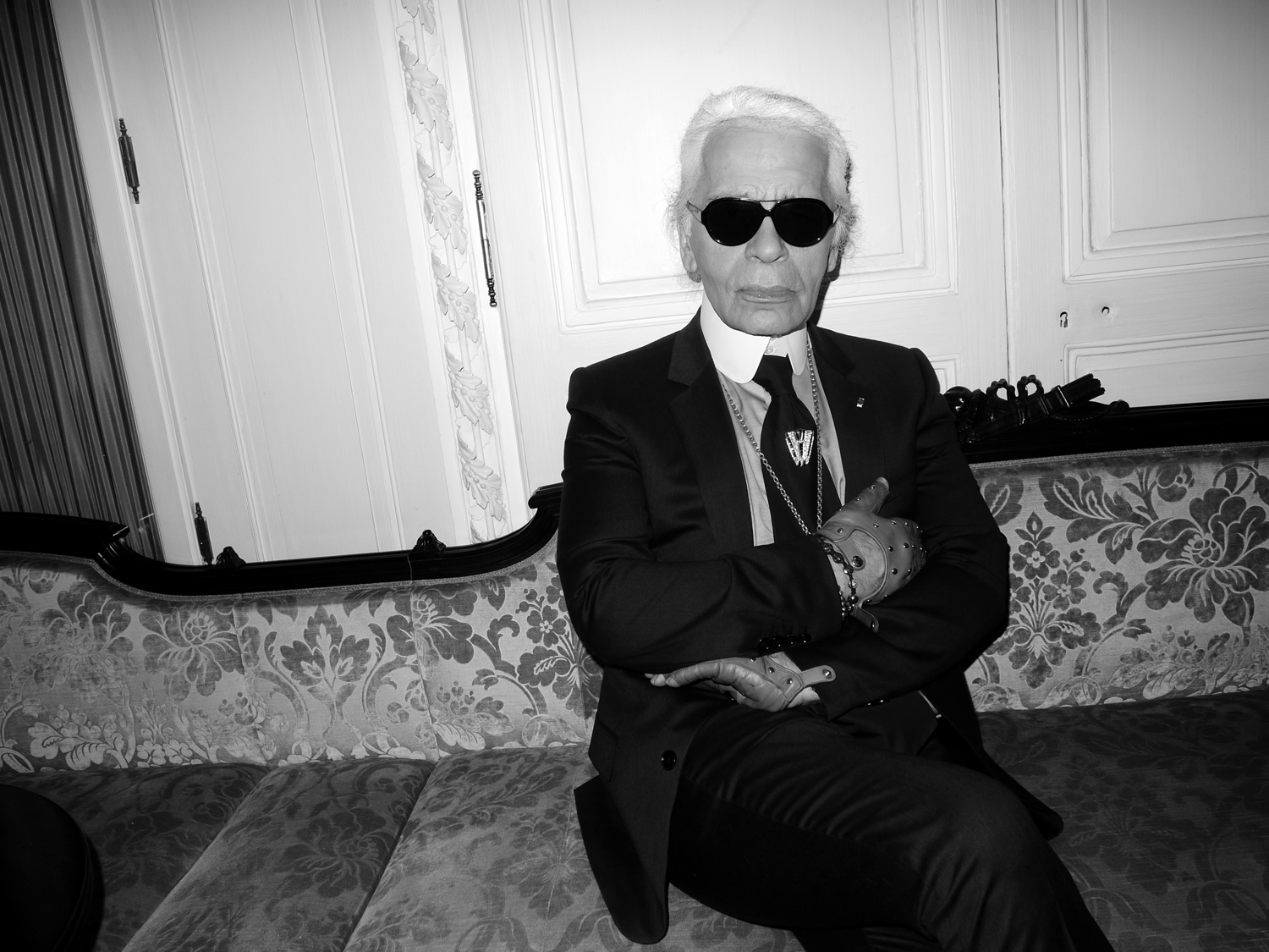 https://www.thealleah.com/wp-content/uploads/2019/02/Karl-Lagerfeld-To-Host-Chanel-Show-In-Dallas.jpg